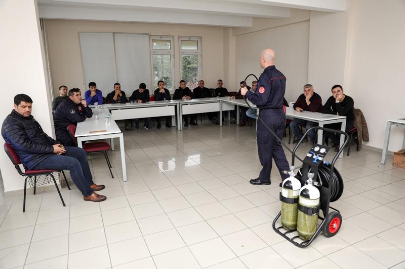 Eğitimlerimiz Temiz Hava Solunum Cihazı Eğitimi ile devam ediyor - Haberler - İstanbul İtfaiyesi