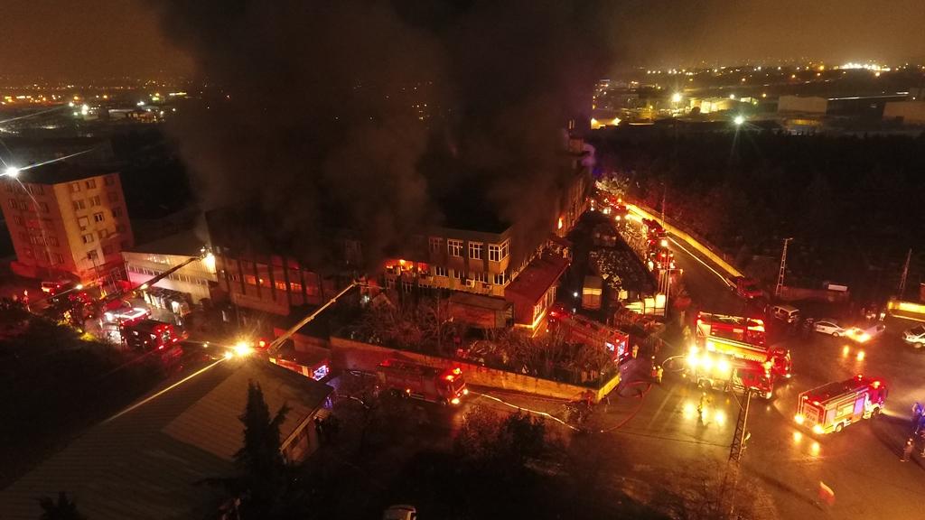 Maltepede fabrika yangını - Haberler - İstanbul İtfaiyesi