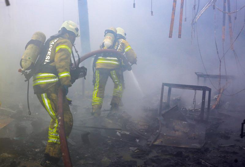 İstanbul İtfaiyesi yanmaya daha dayanıklı giyisilerle görev yapacak - Haberler - İstanbul İtfaiyesi