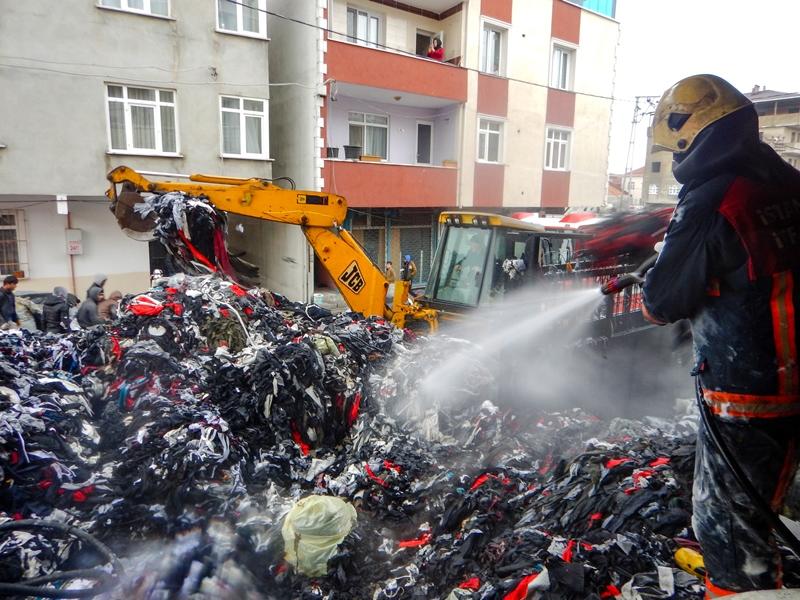 Avcılarda depo yangını - Haberler - İstanbul İtfaiyesi
