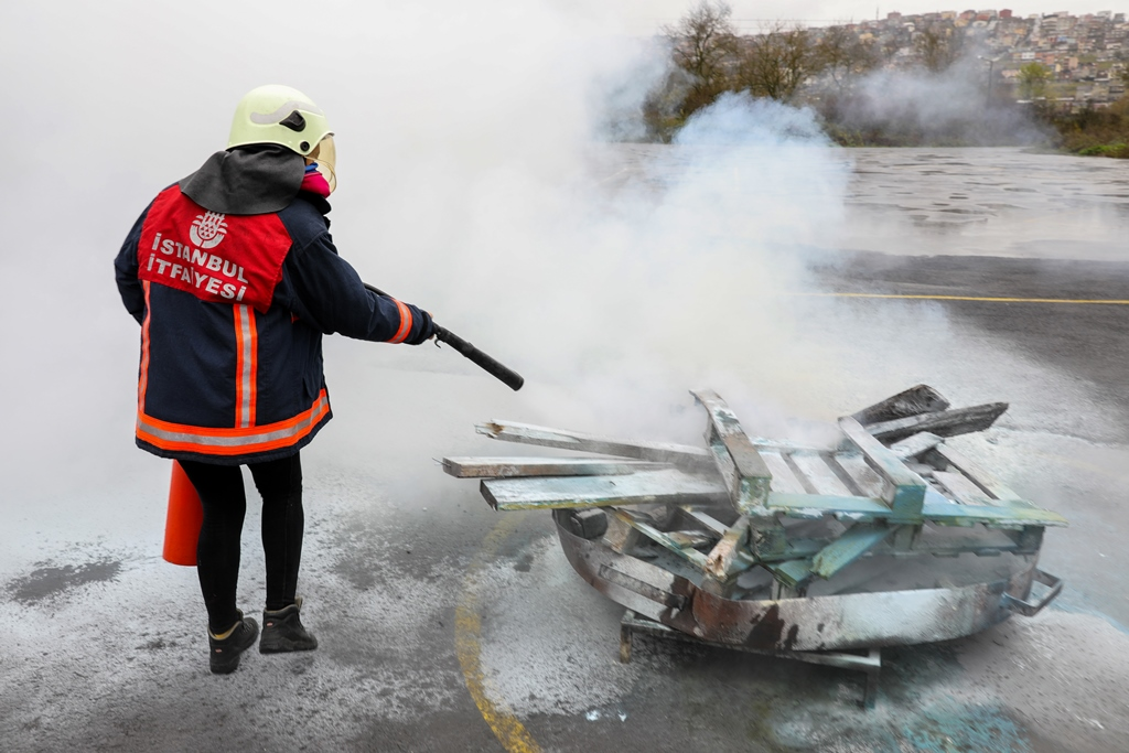 Yangın güvenlik eğitimlerimiz devam ediyor - Haberler - İstanbul İtfaiyesi