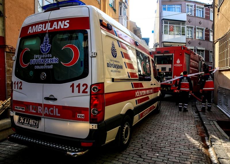 Şehreminide depo yangını  - Haberler - İstanbul İtfaiyesi