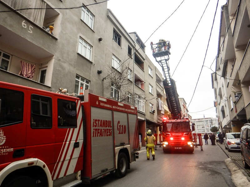 Avcılarda baca yangını - Haberler - İstanbul İtfaiyesi
