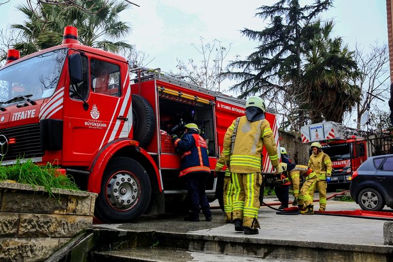 Cibalide metruk bina yangını - Haberler - İstanbul İtfaiyesi