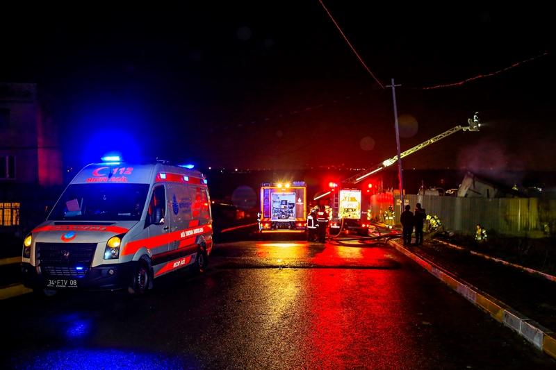 Avcılarda palet yangını - Haberler - İstanbul İtfaiyesi