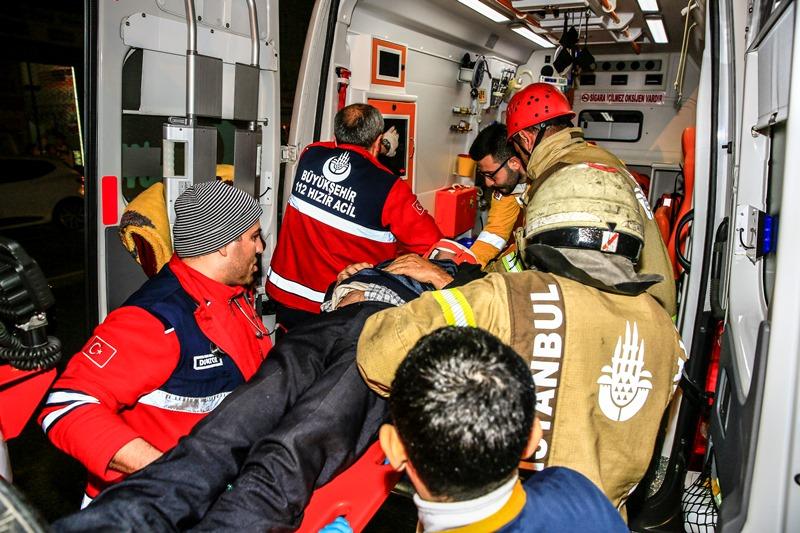 Fatih Fevzipaşa Caddesinde trafik kazası - Haberler - İstanbul İtfaiyesi