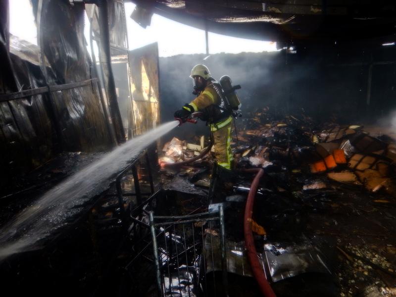 Ataşehirde fabrika yangını - Haberler - İstanbul İtfaiyesi