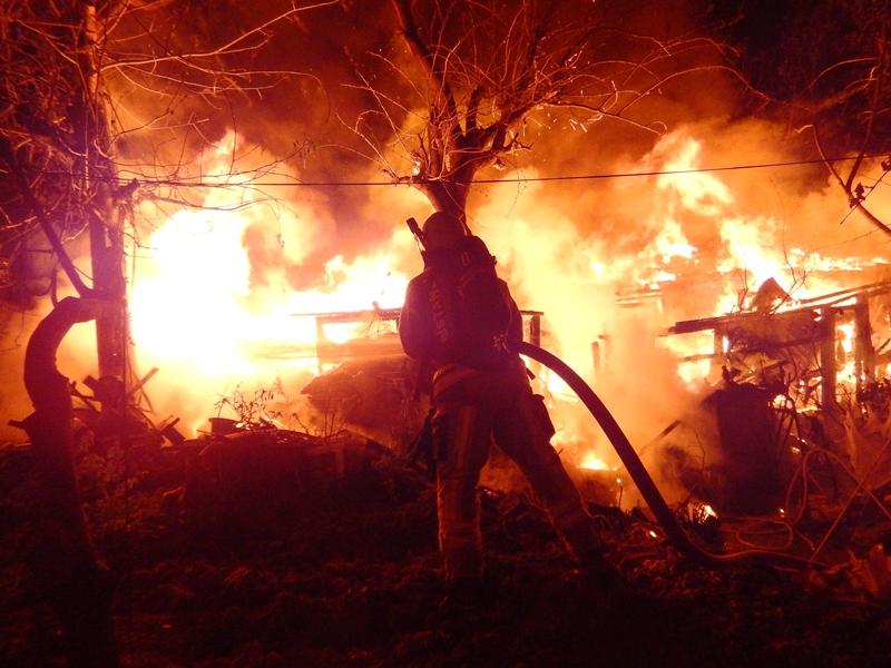 Avcılarda gecekondu yangını - Haberler - İstanbul İtfaiyesi
