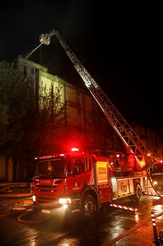 Başakşehirde işyeri yangını - Haberler - İstanbul İtfaiyesi