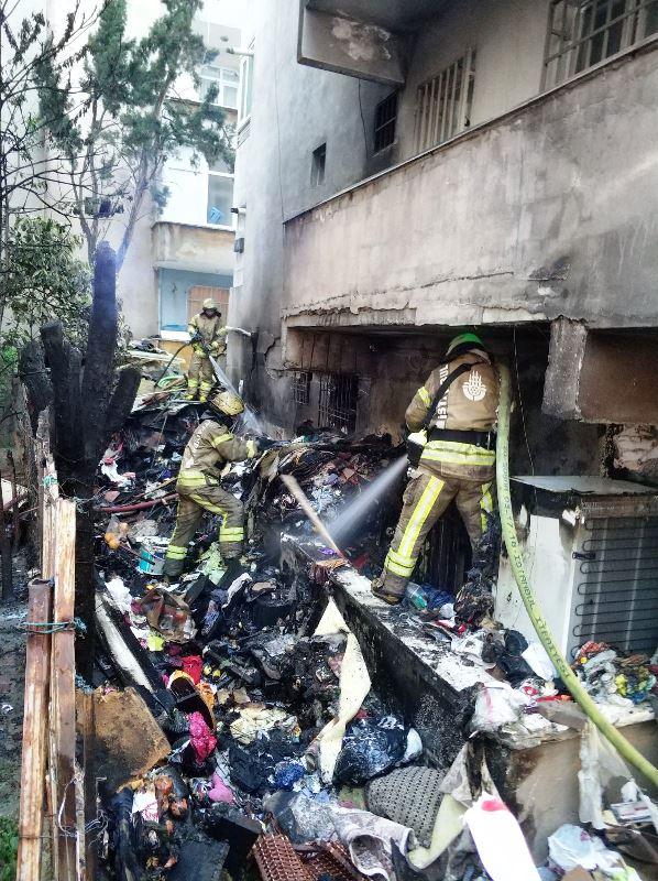 Bahçelievlerde ikametgah yangını - Haberler - İstanbul İtfaiyesi