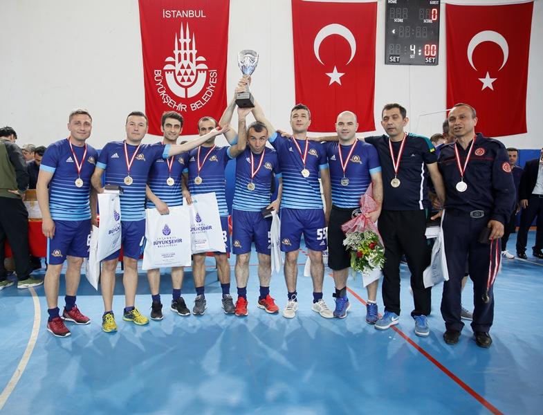 Anadolu Yakası İtfaiye Müdürlüğü 2018 Yılı Spor Turnuvalarında kupalar sahiplerini buldu - Haberler - İstanbul İtfaiyesi