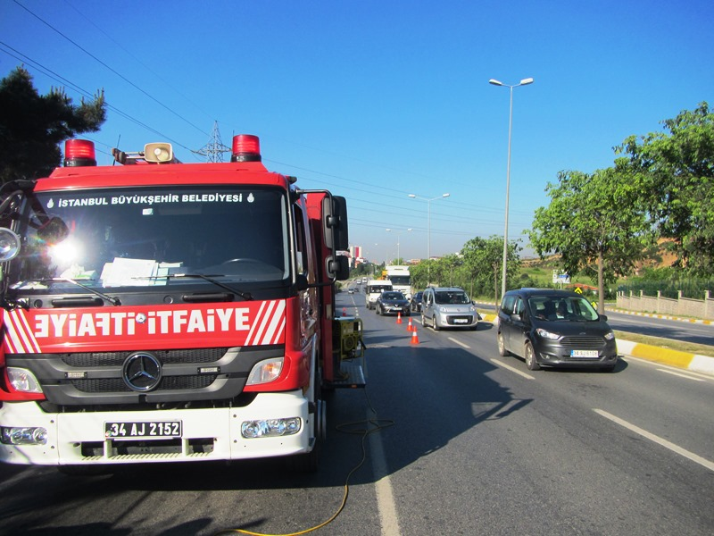 Boru içerisinde sıkışan minik dostumuzu kurtardık - Haberler - İstanbul İtfaiyesi