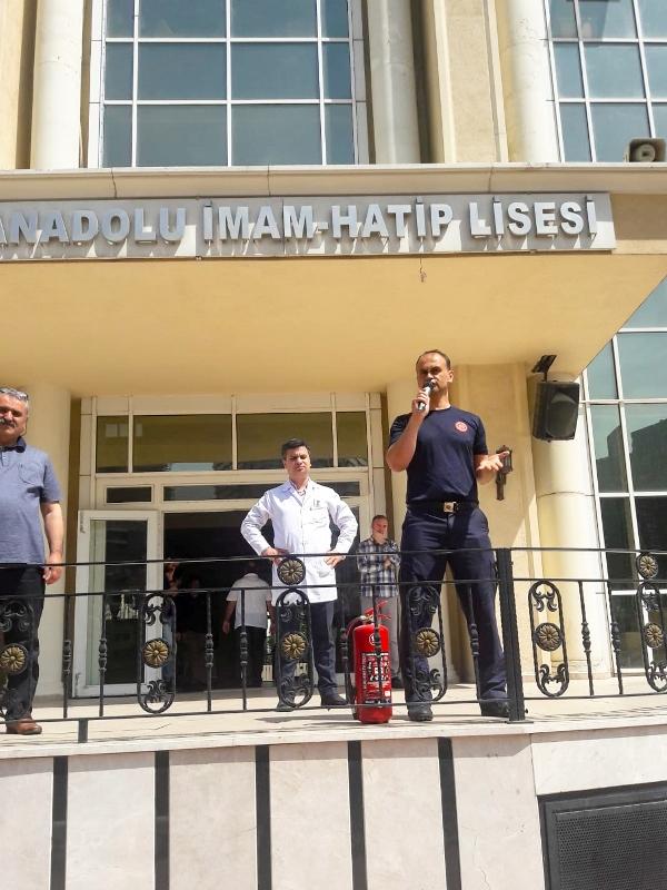 Kardeşlerimizi yangına karşı bilinçlendiriyoruz - Haberler - İstanbul İtfaiyesi