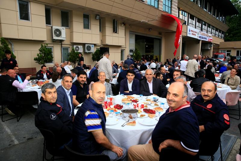Beyoğlu İtfaiye Grubumuzun geleneksel iftarında buluştuk - Haberler - İstanbul İtfaiyesi