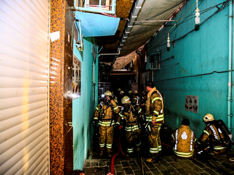 Mercanda iş yeri  yangını  - Haberler - İstanbul İtfaiyesi