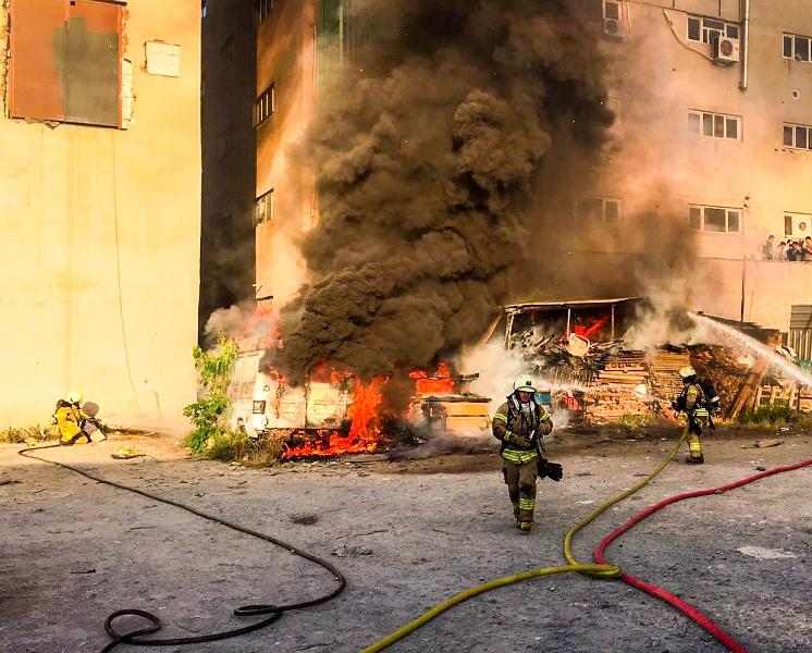 Sefaköyde araç yangını - Haberler - İstanbul İtfaiyesi