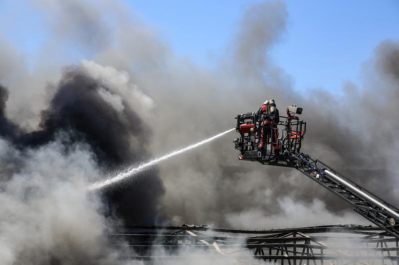 Sarıyerde fabrika yangını - Haberler - İstanbul İtfaiyesi