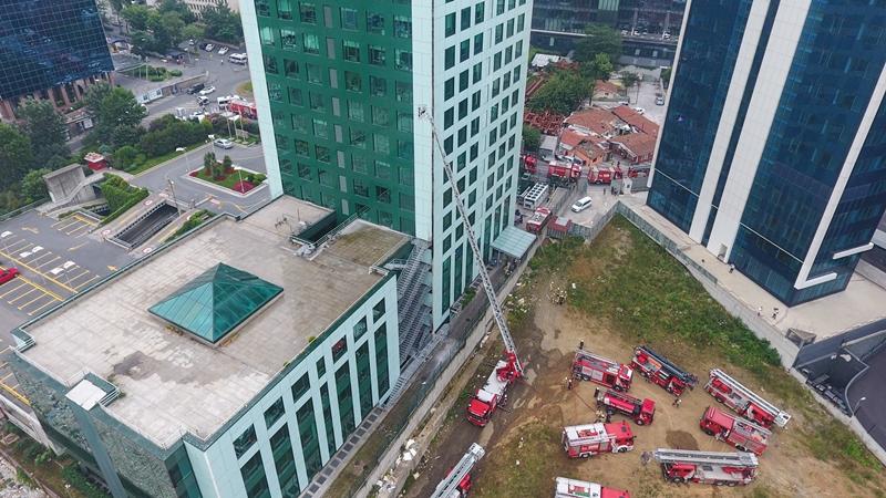 Sarıyerde dış cephe yangını - Haberler - İstanbul İtfaiyesi