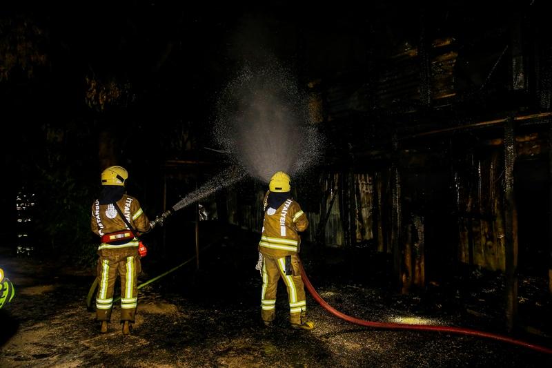Ramide Konteynır yangını - Haberler - İstanbul İtfaiyesi