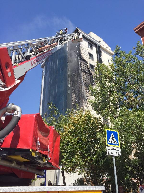 Kayışdağında dış cephe yangını - Haberler - İstanbul İtfaiyesi