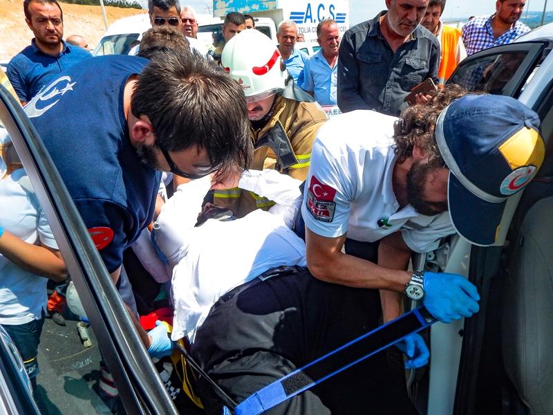 Pendikte trafik kazası - Haberler - İstanbul İtfaiyesi