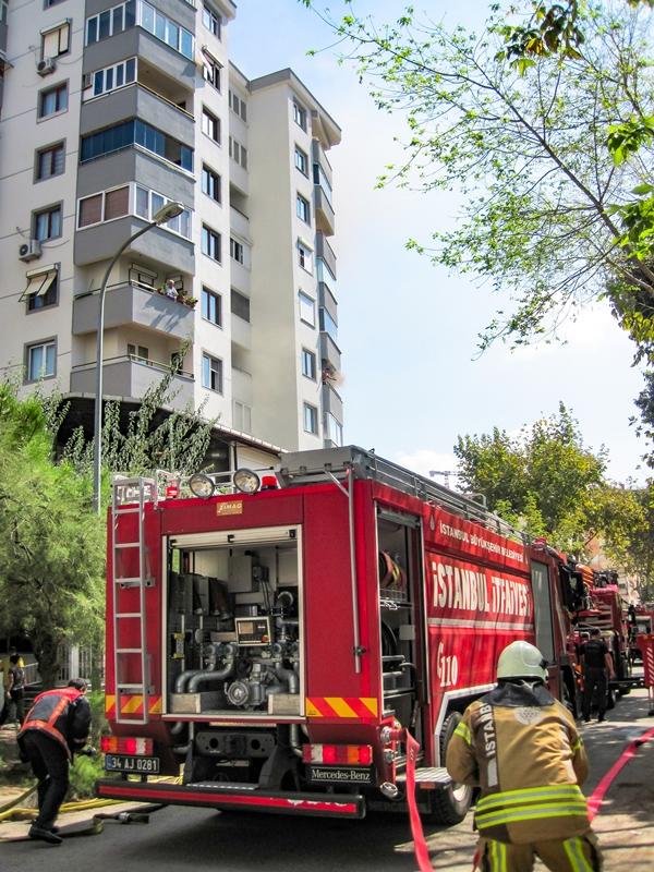Kartalda ikametgah yangını - Haberler - İstanbul İtfaiyesi