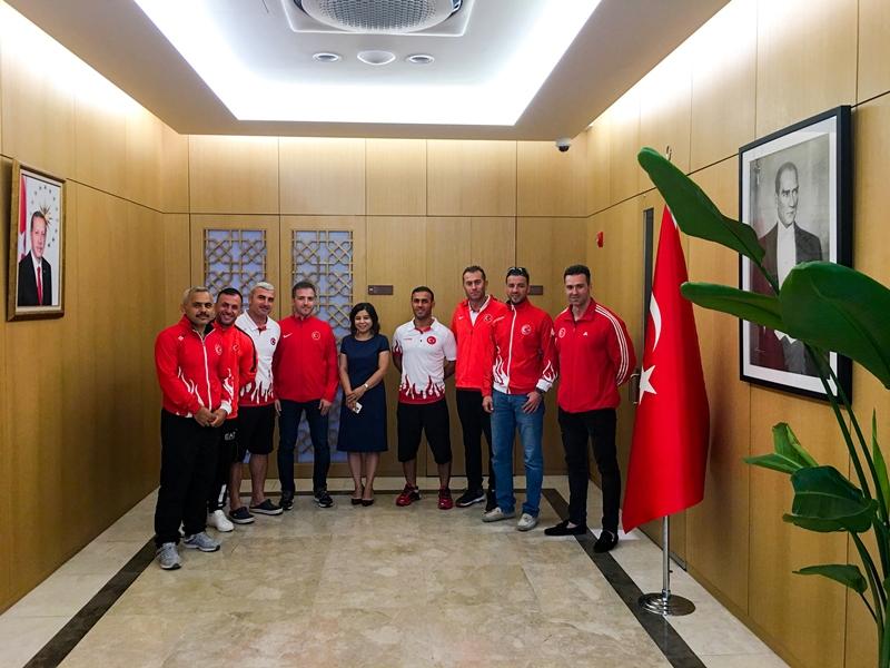 Seul Büyükelçiliğimiz İstanbul Büyükşehir Belediyesi İtfaiye Teşkilatını makamında kabul etti - Haberler - İstanbul İtfaiyesi