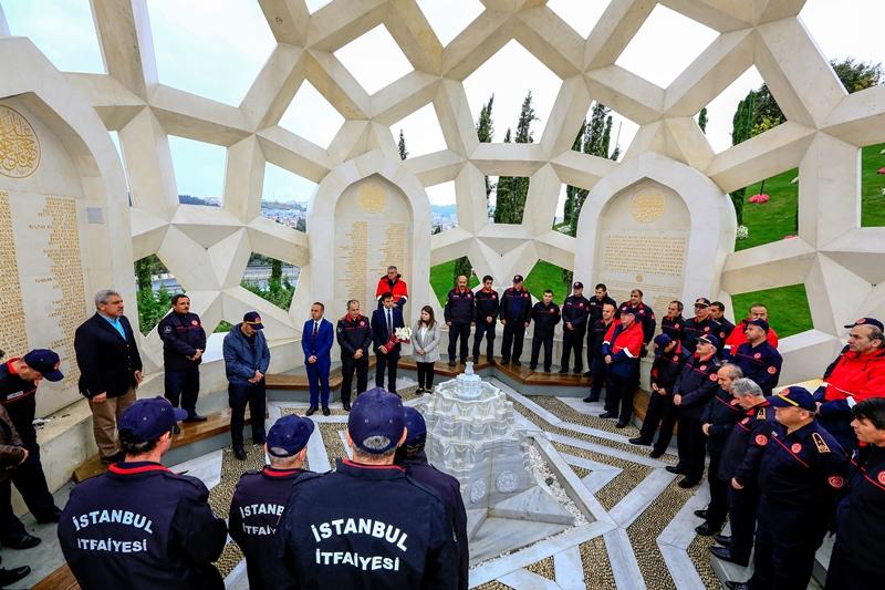 15 Temmuz Şehitlerimizi dualarla yad ettik - Haberler - İstanbul İtfaiyesi