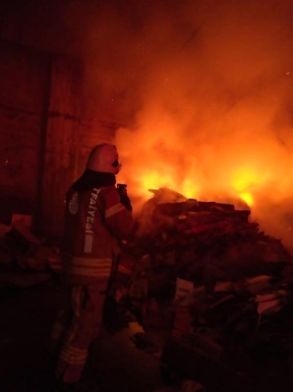 Kocasinanda işyeri yangını  - Haberler - İstanbul İtfaiyesi