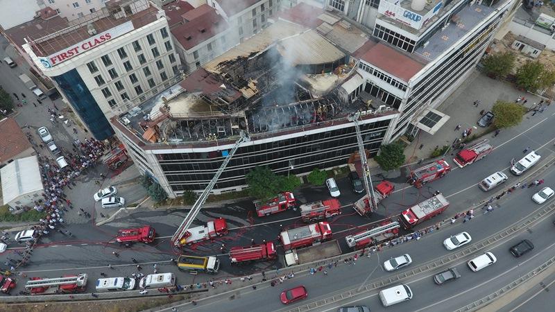 Küçükçekmecede işyeri yangını - Haberler - İstanbul İtfaiyesi