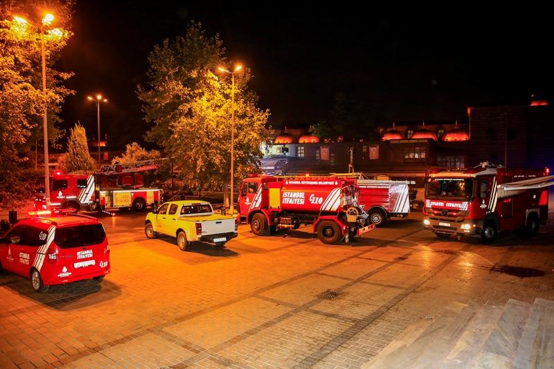 Çiçekçiler Pazarında yangın - Haberler - İstanbul İtfaiyesi