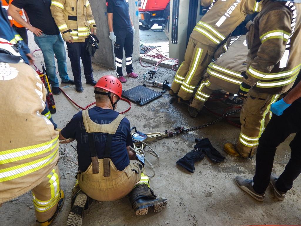 Bağcılarda insan kurtarma - Haberler - İstanbul İtfaiyesi