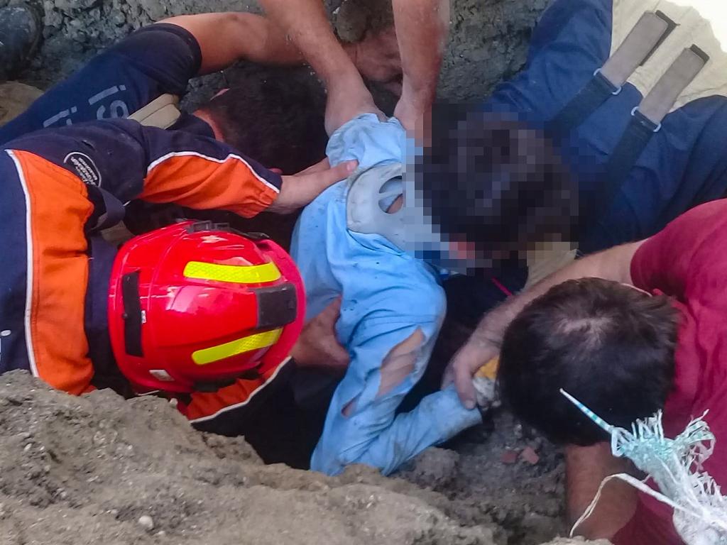Esenyurtta insan kurtarma - Haberler - İstanbul İtfaiyesi