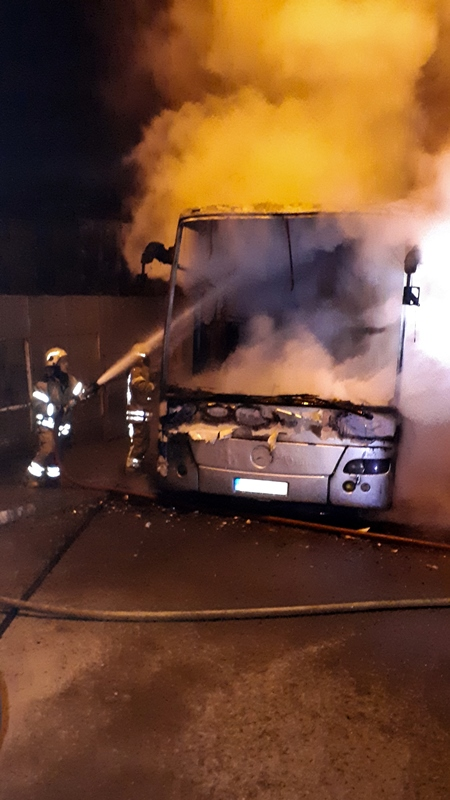 Bus fire in Esenyurt - News - Istanbul Fire Department