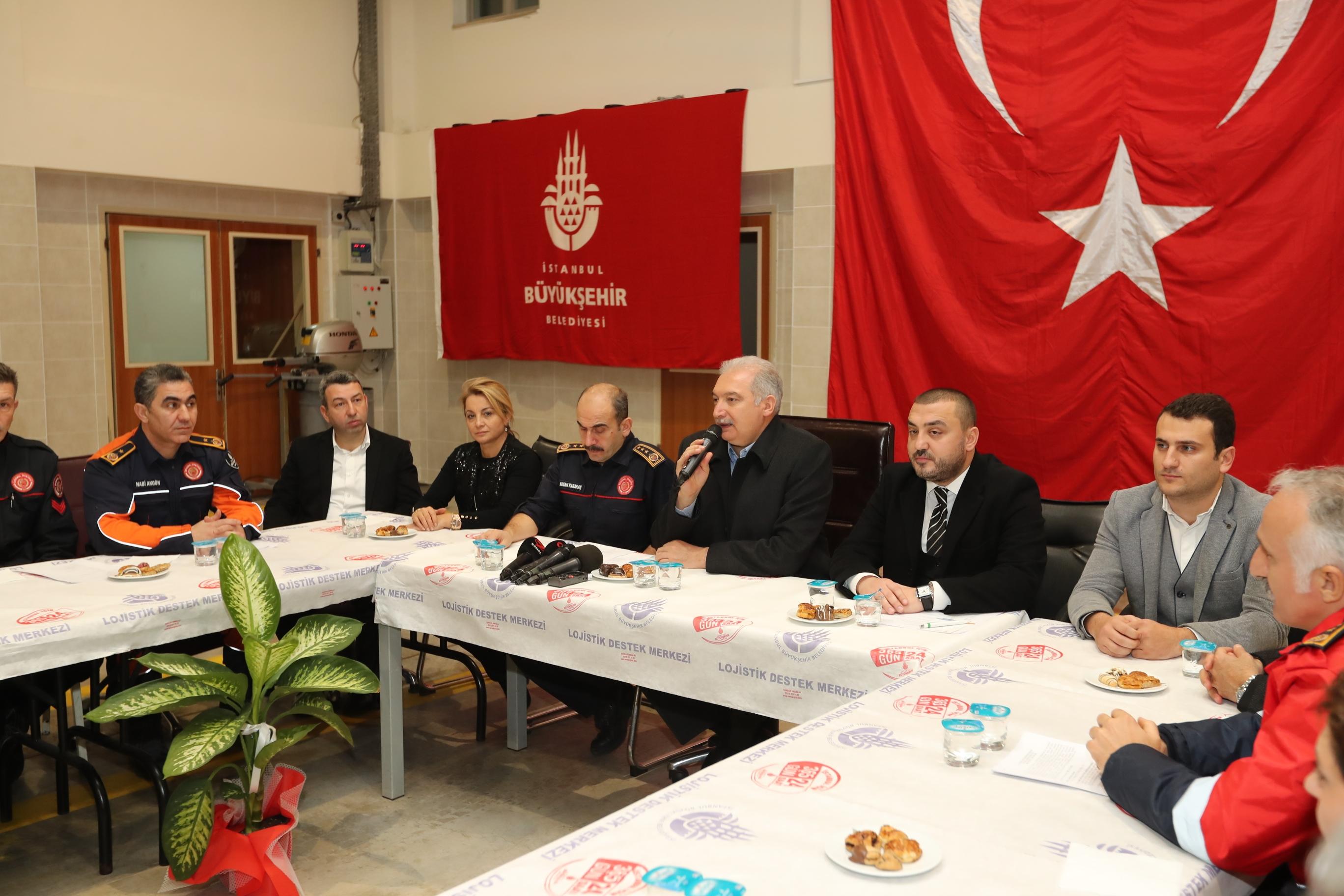 Mevlüt UYSAL, yeni yıla Büyükçekmecede girdi - Haberler - İstanbul İtfaiyesi