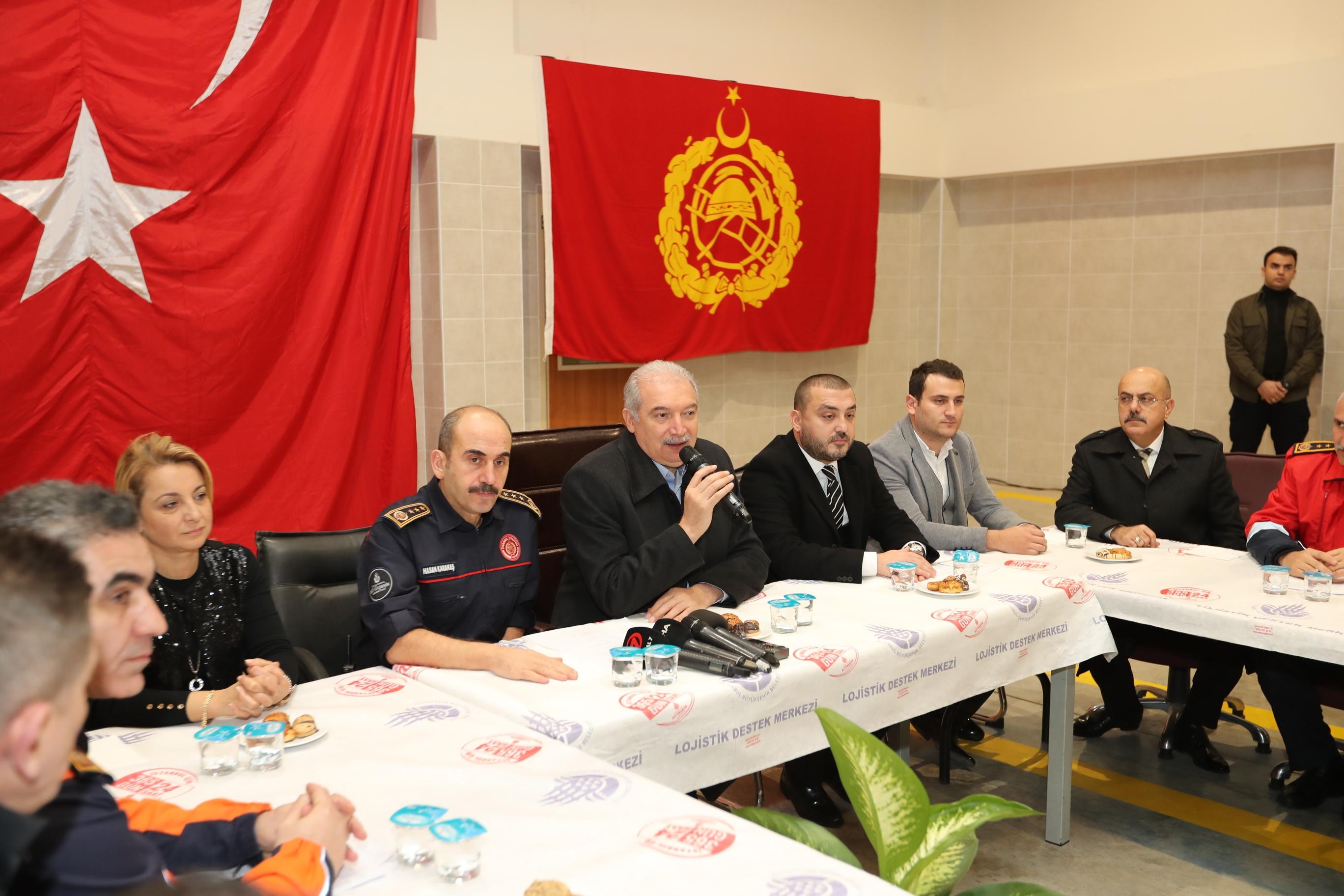 Mr. Mevlüt UYSAL entered the new year in Büyükçekmece - News - Istanbul Fire Department
