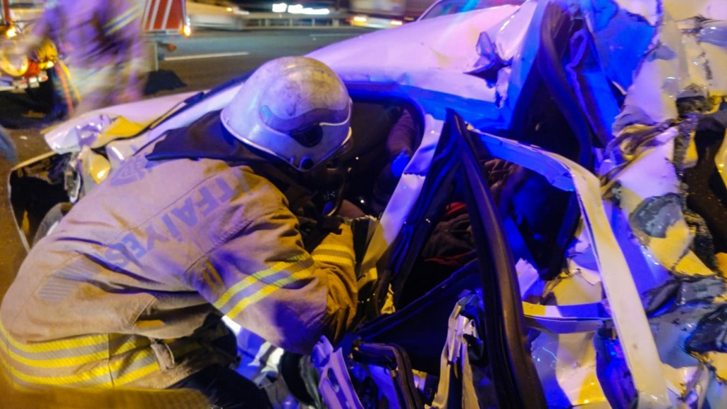 Road accident in Yenişehir - News - Istanbul Fire Department