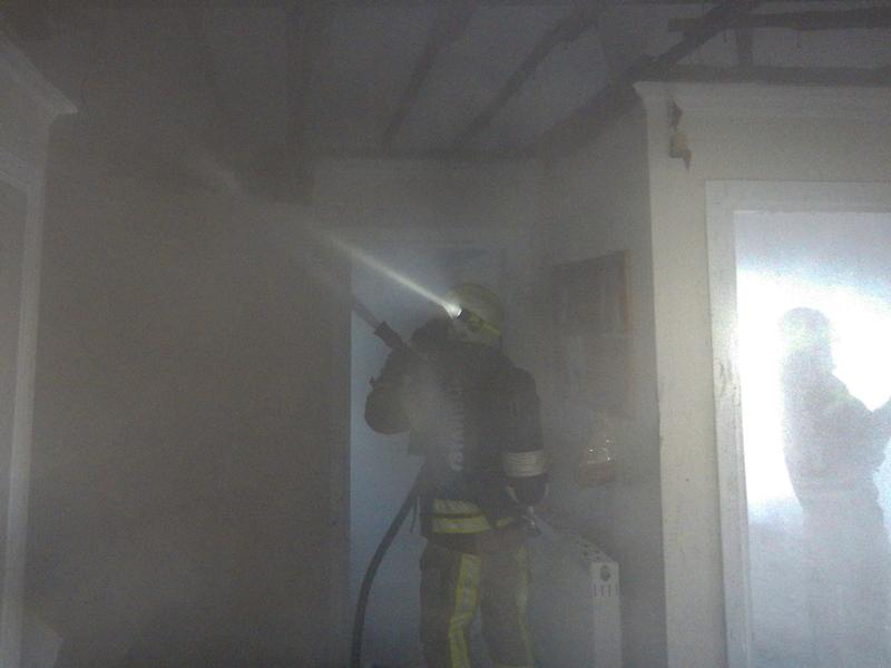Roof fire in Yakuplu - News - Istanbul Fire Department