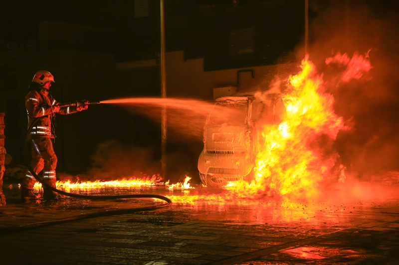 Vehicle fire in Fatih - News - Istanbul Fire Department
