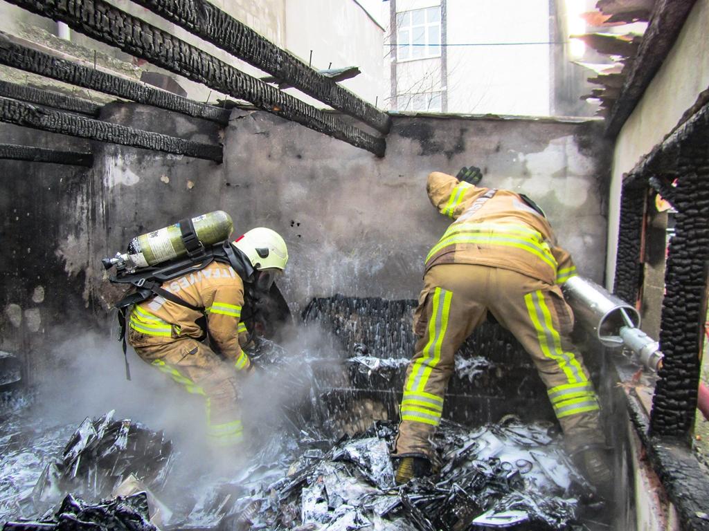 Başakşehirde baraka yangını - Haberler - İstanbul İtfaiyesi
