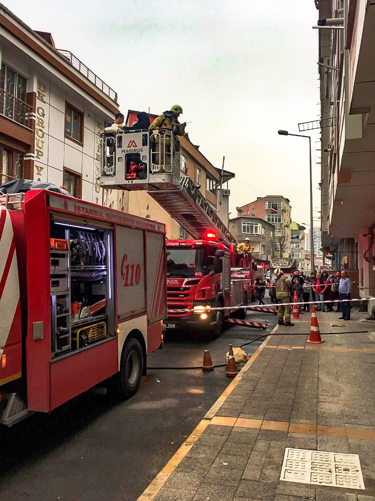 Dwelling fire in Küçükçekmece - News - Istanbul Fire Department