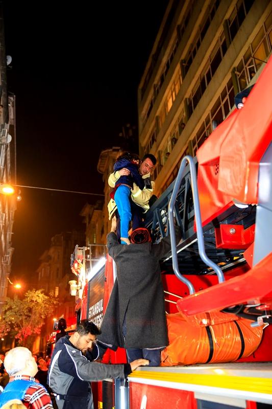 Flat fire in Beyoğlu - News - Istanbul Fire Department