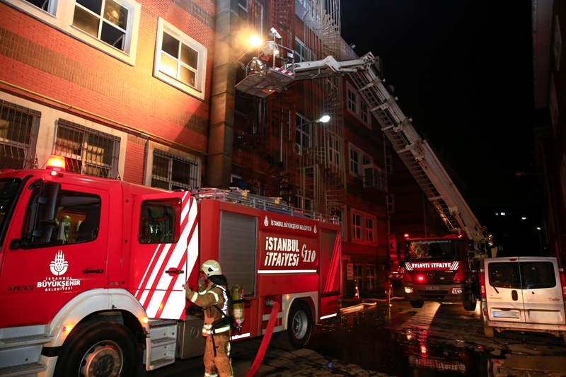 İkitellide iş yeri yangını - Haberler - İstanbul İtfaiyesi