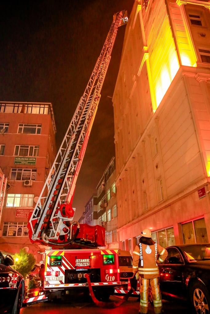 Fatihte baca yangını - Haberler - İstanbul İtfaiyesi