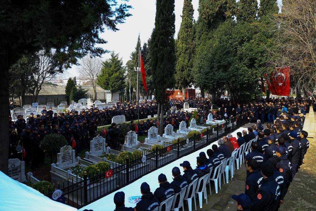 Şehit itfaiyecilerimizi dualarla yad ettik - Haberler - İstanbul İtfaiyesi