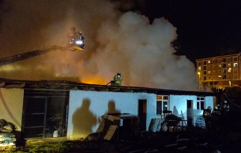 Esenyurtta gecekondu yangını - Haberler - İstanbul İtfaiyesi