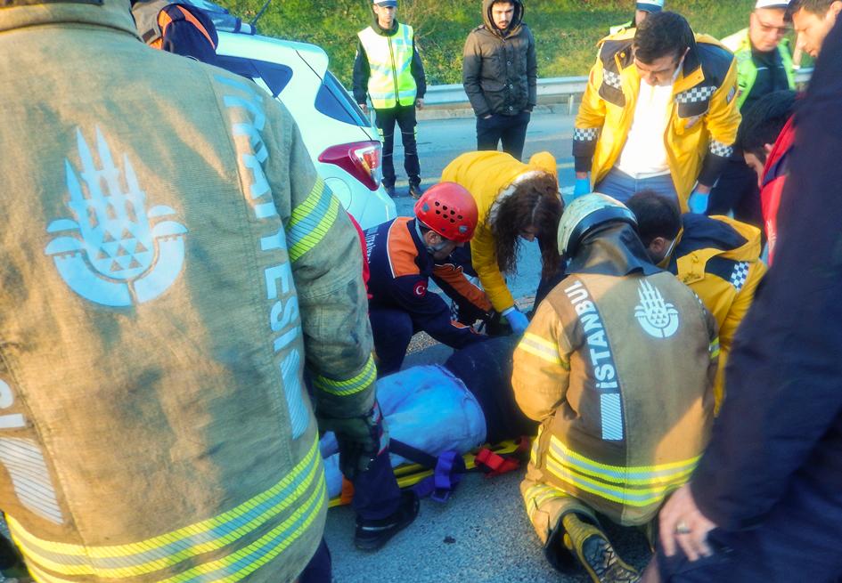Ümraniyede trafik kazası - Haberler - İstanbul İtfaiyesi