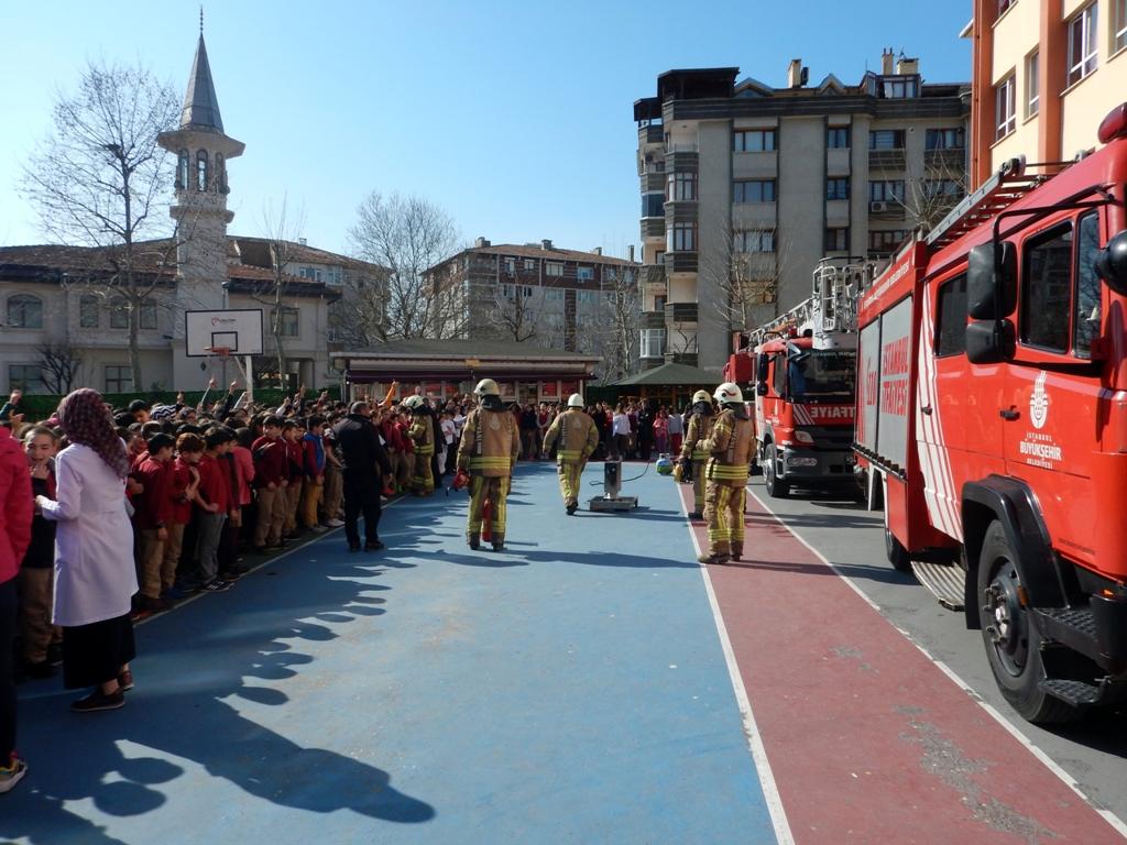 Eğitim ve tatbikatlara devam ediyoruz - Haberler - İstanbul İtfaiyesi