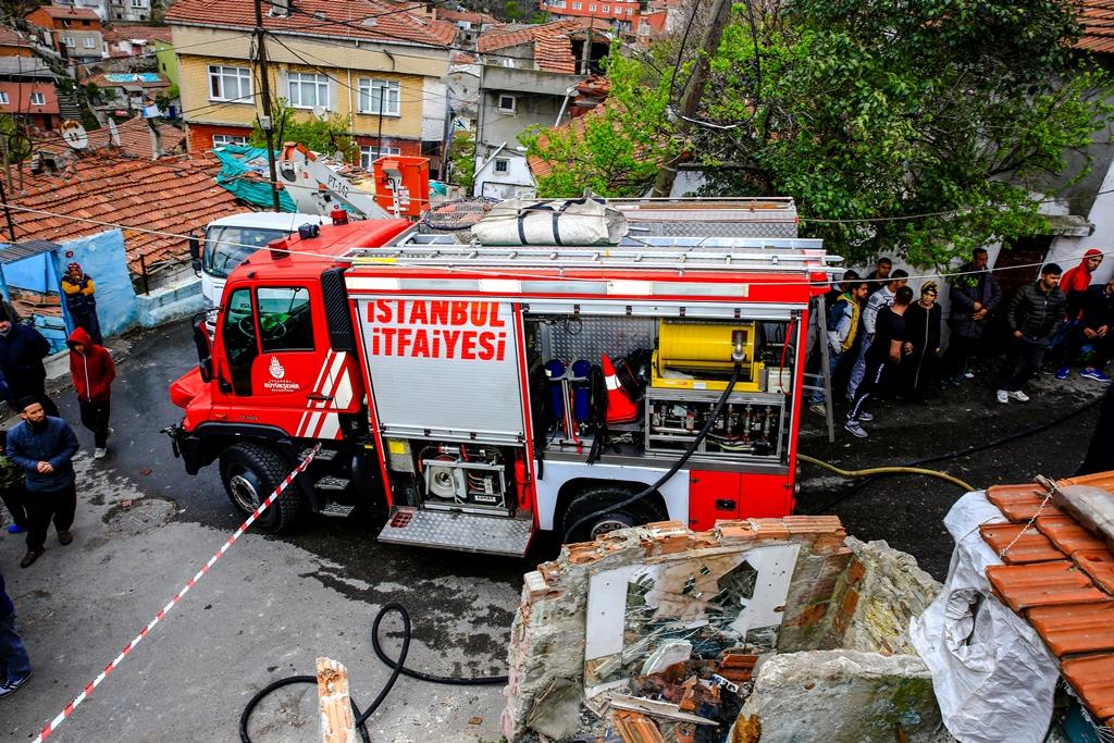 Gaziosmanpaşada gecekondu yangını  - Haberler - İstanbul İtfaiyesi