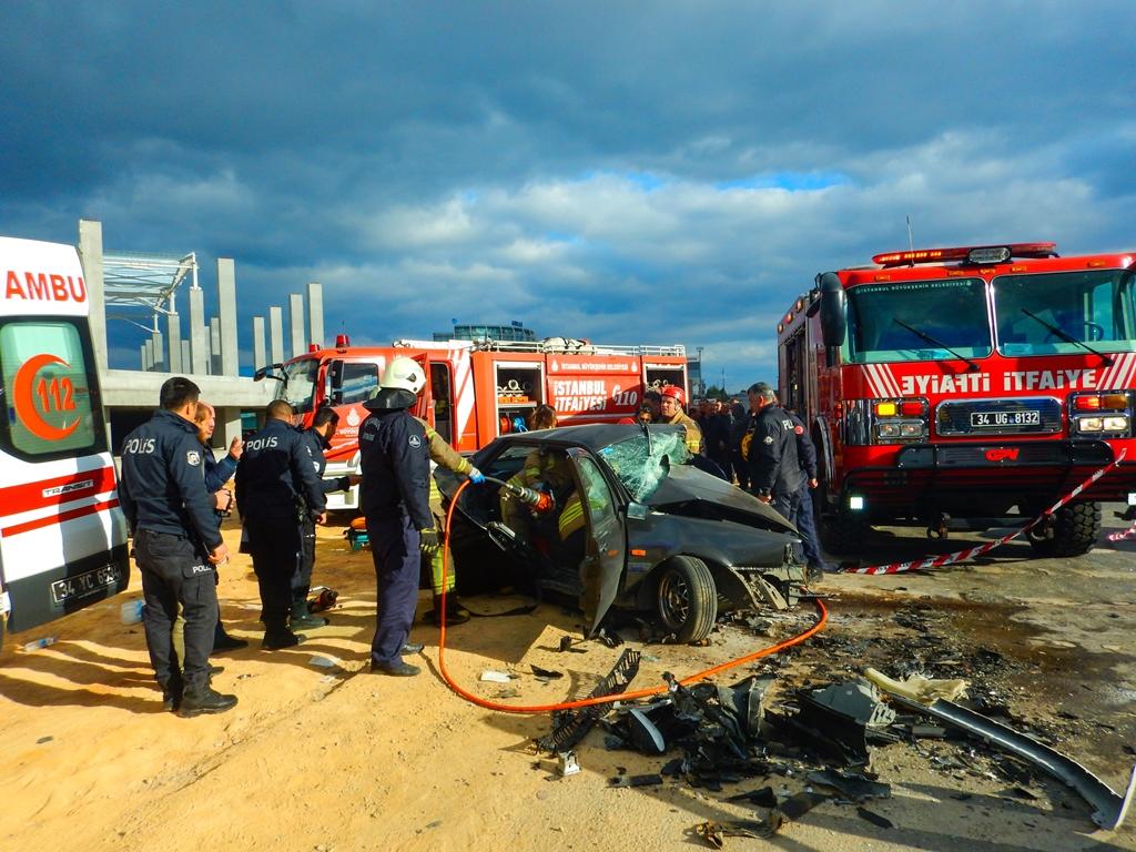Tuzlada trafik kazası - Haberler - İstanbul İtfaiyesi
